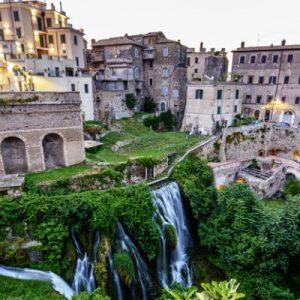 """Vicino Roma, cosa vedere a Tivoli: le sue ville e il """"castello"""""""