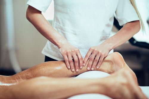 Corso massaggio decontratturante per diventare un apprezzato professionista